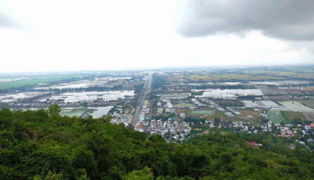 Vietnam Reisen - Aussicht nach Kambodscha von heiligen Sam-Mountain (Originalbild Mirango Travel)