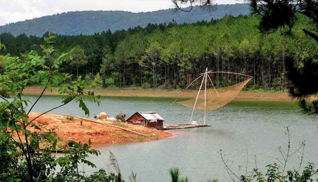 Vietnam Reisen - Landschaft in der Nähe von Dalat, zentrales Hochland