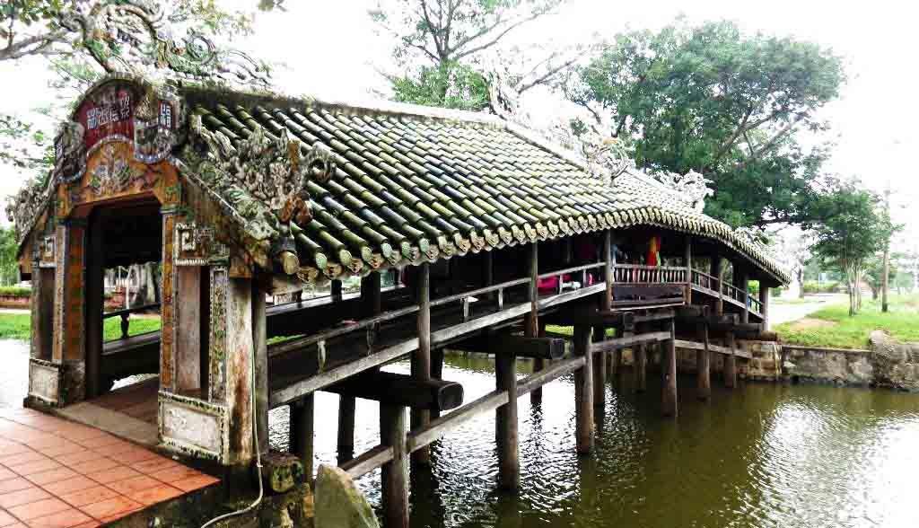 Vietnam Reisen - Die Brücke von Thanh Toan in der Nähe von Hue (Originalbild Mirango Travel)