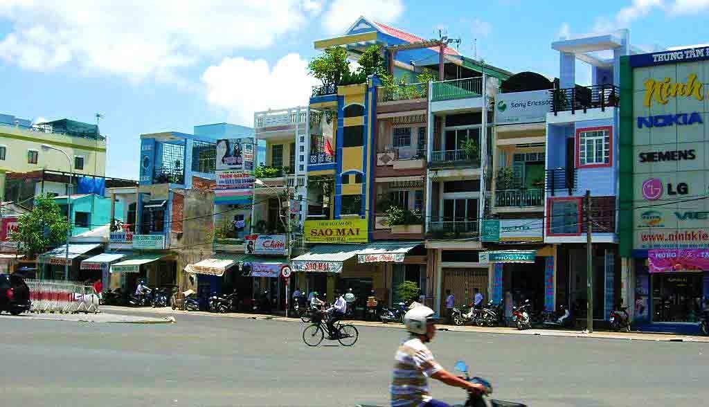 Vietnam Reisen - Strasse in Can Tho, Mekong Delta (Originalbild Mirango Travel)