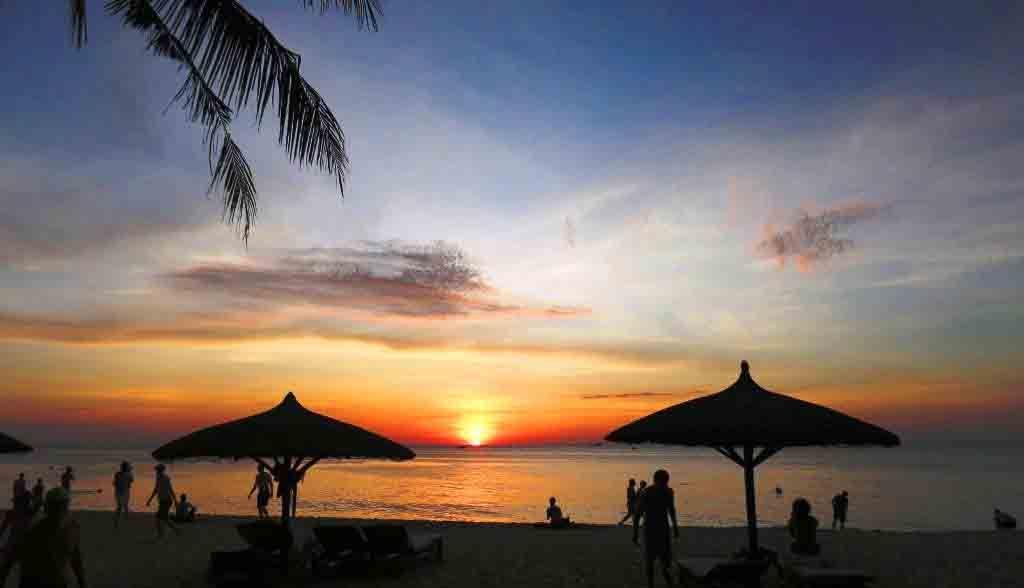Vietnam Reisen - Sonnenuntergang in Phu Quoc vom Arcadia Resort (Originalbild Mirango Travel)
